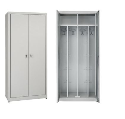 Dressing closets with dirty / clean interior partition